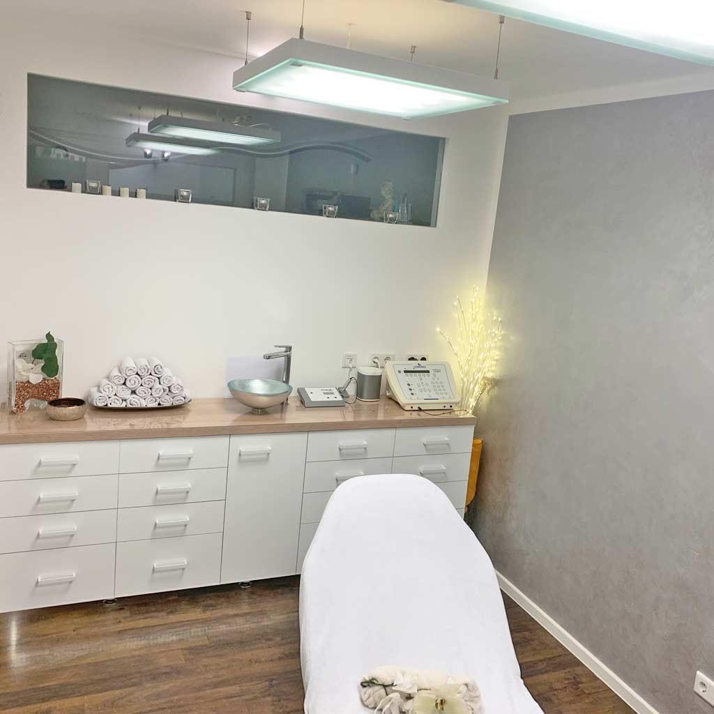 Behandlungsraum für medical Beauty im Kosmetikzentrum